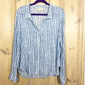 Cloth & Stone blue/white print button top size M